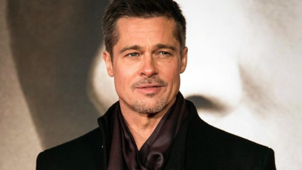 SI NA KISHTE SHPËTUAR KY DETAJ/ Brad Pitt bëhet kopje e partneres që ka në krah