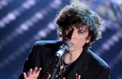 Ermal Meta komunikon me fansat/ Këngëtari tregon arsyet pse nuk është aktiv në rrjetet sociale (VIDEO)