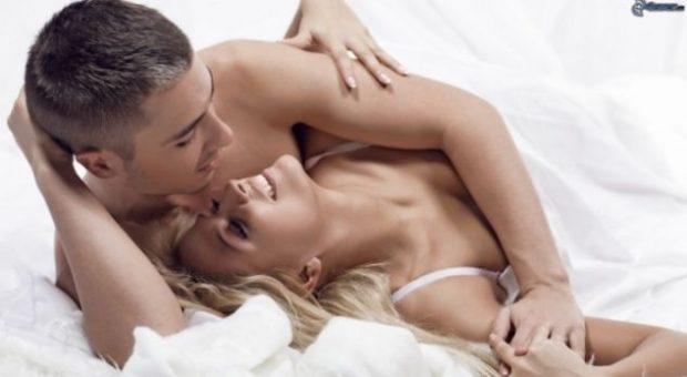 Njihuni me pozicionet e seksit për çiftet shumë pasionante