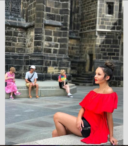 """EKSKLUZIVE/ Daljana Sejdia flet për """"konkurencën"""" dhe të ardhmen e saj në EKRAN: Do më shihni në…"""