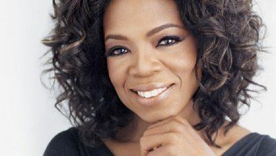 TË GJITHË E MIRËPRESIN NJË TURISTE ELITARE SI AJO/ Oprah Winfrey nis pushimet shumë pranë Shqipërisë… (FOTO+VIDEO)