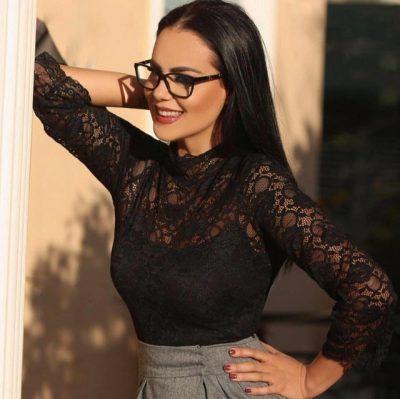 Hygerta Sako ndihet më e bukur sot, 23 vite pasi u shpall Miss Shqipëria… (FOTO)