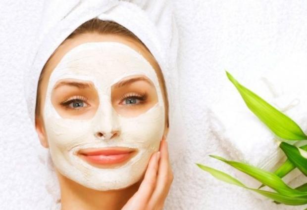 JO MË PRODUKTE TË SHTRENJTA KOZMETIKE/ Provoni maskën 100% natyrale dhe efektive kundër njollave të fytyrës…