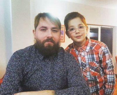 Kastro Zizo flet për marrëdhënien me të birin: Është shumë delikate…(FOTO)
