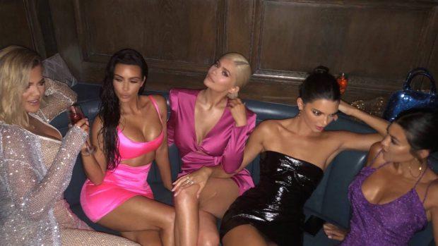 KONKURRENCA MES MOTRAVE/ Kylie Jenner po arrin sukses në çdo drejtim (FOTO)