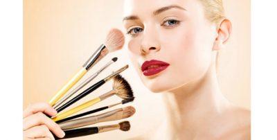 FONDATINA PAK MË E ERRËT DHE NGJYRË KAFE/ Njihuni me Make up- in e duhur për vjeshtën  (VIDEO)