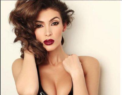 """""""MIRËMËNGJES NGA TURQIA""""/ Nora Istrefi me bikini të bardhë BOMBARDON rrjetet sociale"""