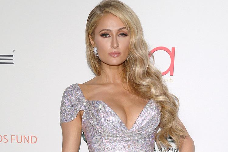 Paris Hilton flet për humbjen e unazës së fejesës prej 2 ... пэрис хилтон