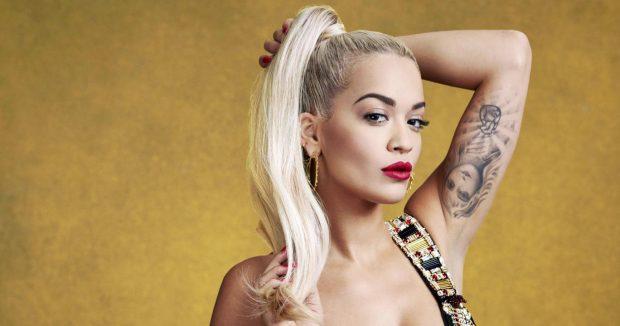 ME APO PA TË BRENDSHME/ Rita Ora shkëlqen mes yjeve të mbrëmjes Gala të UNICEF-it