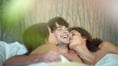 """STUDIMI SHKENCOR/ """"Pranohet"""": Gratë mendojnë për një BURRË tjetër gjatë seksit"""