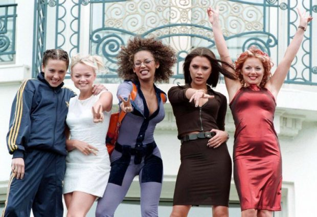 NJË TURNE MUZIKOR NË 2019 NGA SPICE GIRLS/ Ja pse Victoria Beckham refuzon të bashkohet… (FOTO)