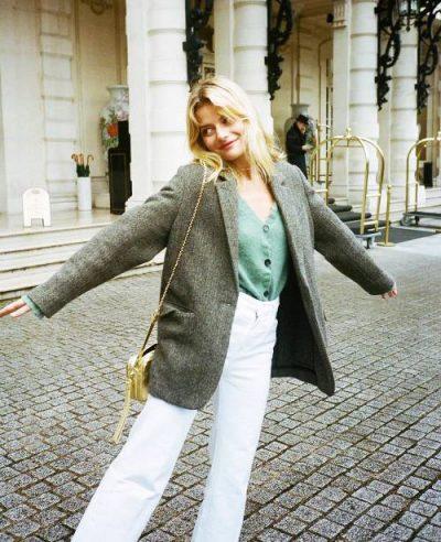 """NUK DËSHIRONI TË MUNDOHENI SHUMË? Ja 8 sekrete si të vishesh si femra më """"chic"""" në botë (FOTO)"""