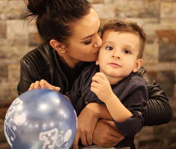 """""""SHTOVA 28 KILOGRAMË""""/ Bora Zemani ndan me të gjithë eksperiencën e saj gjatë shtatzënisë"""