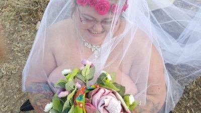 Nusja 165 kilogramë martohet nudo, arsyeja do t'ju habisë (FOTOT)