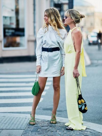 """PO """"ÇMEND"""" EDHE BLOGGERET/ Kjo çantë stil duket super e shtrenjtë! (FOTO)"""