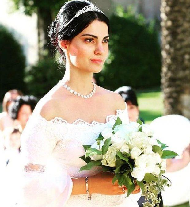 FESTON 3-VJETORIN E MARTESËS/ Anjeza Shahini publikon FOTON me bashkëshortin