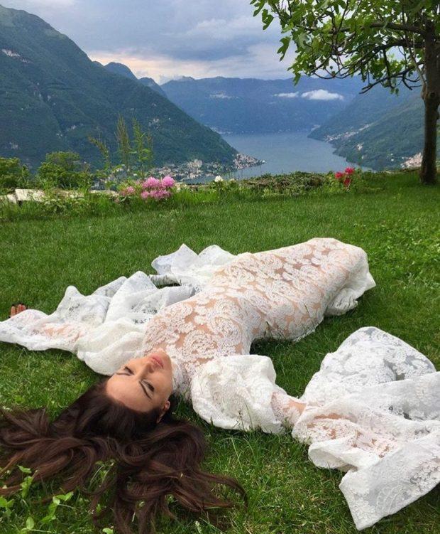 Një tjetër shqiptare VIP martohet/ Zgjedh të njëjtin vend si Sara me Ledionin (FOTO)