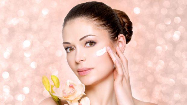 Zhdukini menjëherë! Këto 5 produkte kozmetike po ju shkatërrojnë lëkurën