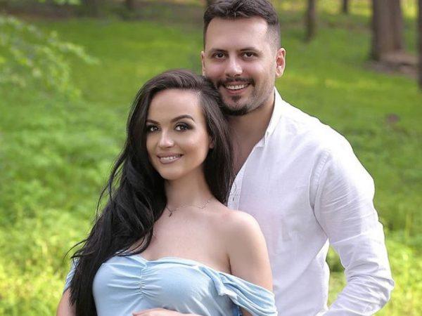 U bë baba për herë të parë/ Aktori shqiptar zbulon emrin e vogëlushit dhe kuptimin e tij (FOTO)