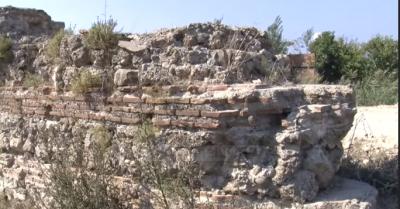"""""""Muri i Portës""""/ Monumenti 7 km nga Durrësi por i mbetur jashtë vëmendjes (VIDEO)"""