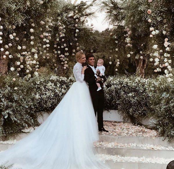 Martohet bloggerja e njohur/ Publikohen fotot e para nga dasma