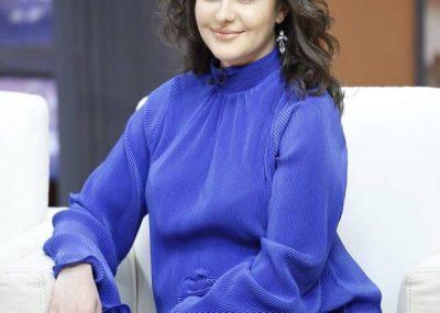 """""""Kisha shumë frikë""""/ Modelja shqiptare tregon eksperiencën e parë si nënë (FOTO)"""