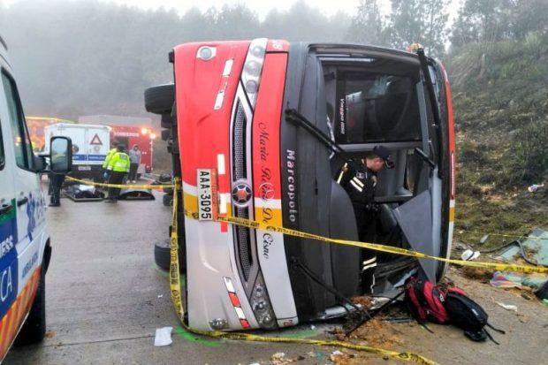TRAGJIKE/ Rrëzimi i autobusit u merr jetën 11 personave, 37 të plagosur