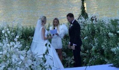 PRITJES I ERDHI FUNDI! Lori Hoxha sapo postoi FUSTANIN nga dasma e Sarës. Një ëngjëll i vërtetë… (FOTO)