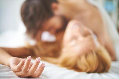 """Seksologët kanë dalë në përfundimin se """"Crème de a Crème"""" është pozicioni perfekt gjatë seksit për të nisur ditën"""