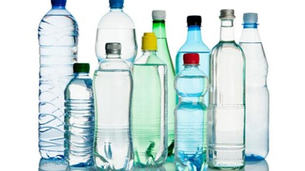 Zbuloni shtatë ide si të ricikloni shishet plastike