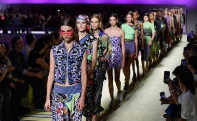 """""""TËRBOHEN FANSAT""""/ Pas blerjes së Versaces nga Michael Kors ndryshon emri (FOTO)"""