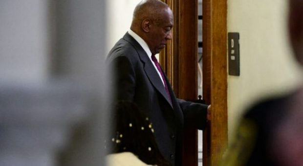 """""""PËRBINDËSH SEKSUAL""""/ Bill Cosby dënohet me burg për drogim dhe përdhunim"""