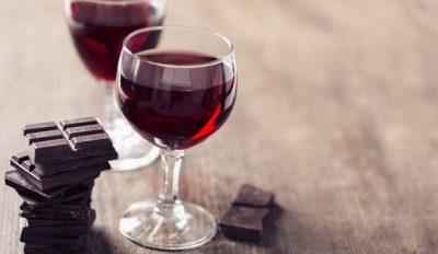 DONI TË JETONI MË GJATË? Vera dhe çokollata mund t'ju ndihmojnë…