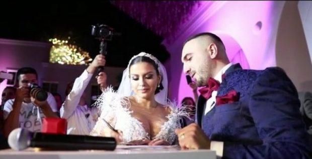 """Nuk kishte si të mungonte """"GjikiChallenge"""" në dasmën/ Elita e kërceu mjaft mirë (VIDEO)"""