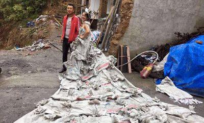 SHPIKJE KINEZE/ Fustan nusërie me thasë çimentoje (FOTO)