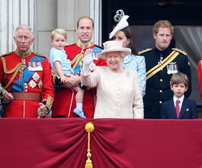 E dini sa kohë duhet për të hekurosur një çarçaf të Mbretëreshës?