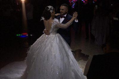 Elita Rudi dhe Gjiko janë zyrtarisht të martuar/ Publikohen video nga ceremonia madhështor