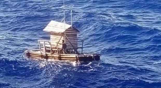 Adoleshenti mbijeton për 49 ditë me ujë deti dhe peshq