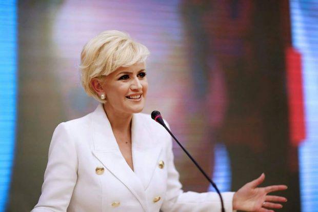 S'është më mister/  Zbulohet televizioni ku do ta shohim Ilva Taren (FOTO)