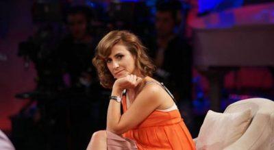 """""""NUK ËSHTË UDHËTIM PËR SEVAP""""/ Iva Tiço në bordin e Air Albania. Fansja e kritikon: Pse nuk ja dhuron dikujt që… (FOTO)"""
