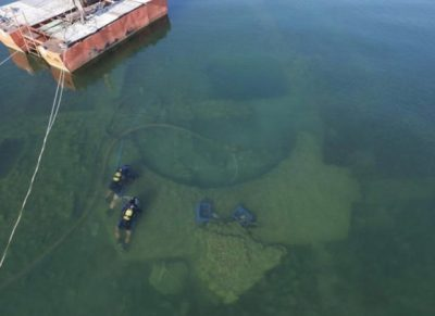ZBULOHET KISHA 3 METRA E THELLË NË LIQEN/ Arkeologët po zbulojnë sekretet e saj (VIDEO)