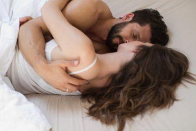 Bëni seks të paktën 4 herë në javë? Ja çfarë pëson trupi juaj
