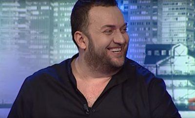 """""""ME ÇANTË NË EMISION""""/ Olti Curri nuk i ndahet zakonit, edhe te Fevziu nuk rri dot pa ngrënë (FOTO)"""