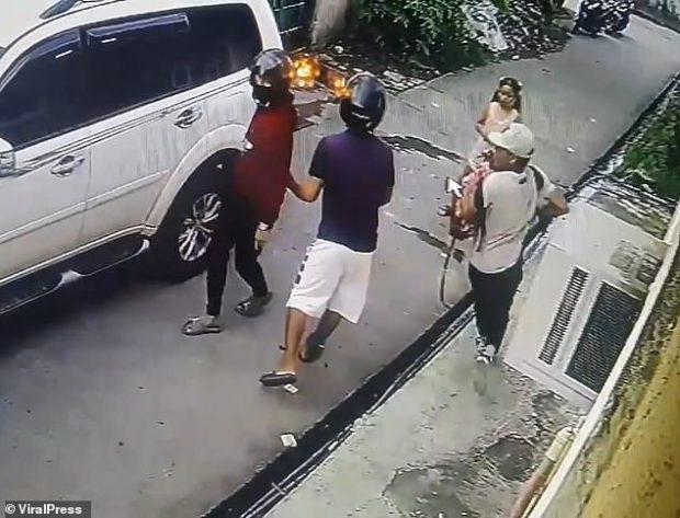 E PABESUESHME! Banditët e armatosur i vjedhin shtëpinë, 8 vjeçarja trime përleshet me to (VIDEO)