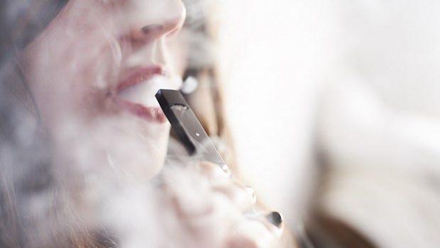 CIGARET ELEKTRIKE/ Më të dëmshme se duhani