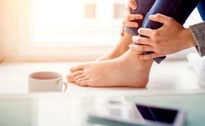 KINI KUJDES! Këto 3 shenja në këmbë mund të sinjalizojnë për një problem të rëndë shëndetësor
