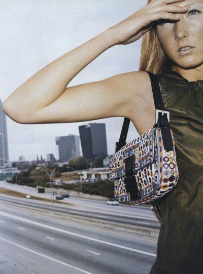 NDOSHTA I KENI URRYER/ Rikthehen sërish në modë çantat e gjyshes (FOTO)