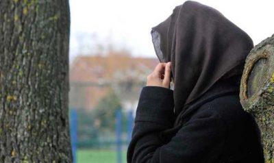 DIKUR BËNTE NAMIN NUDO/ Këngëtarja e njohur konvertohet në islam dhe mbulohet me shami