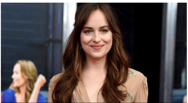Aktorja e njohur bën publik numrin e saj të telefonit/ Ja pse duhet ta kontaktoni