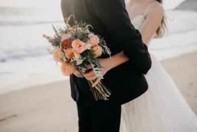 """NUK ËSHTË E GJITHA """"TRËNDAFILA E LULE""""/ Ja 5 gjërat që duhet të dini rreth martesës"""